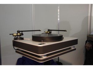 two-stogi-s-12-inch-tonearms-on-feickart-tt